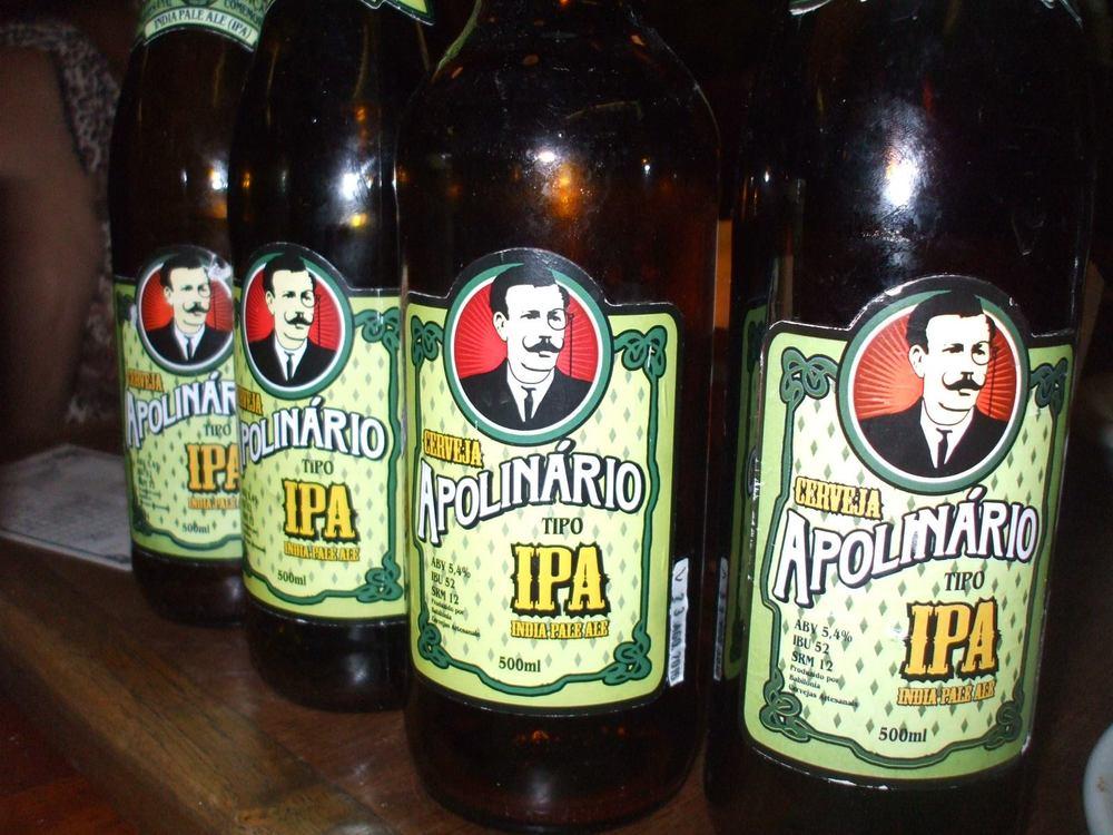 Instalado no bairro Cidade Baixa, o baroferece vários estilos de cervejas locais, nacionais e internacionais (Foto: Divulgação)
