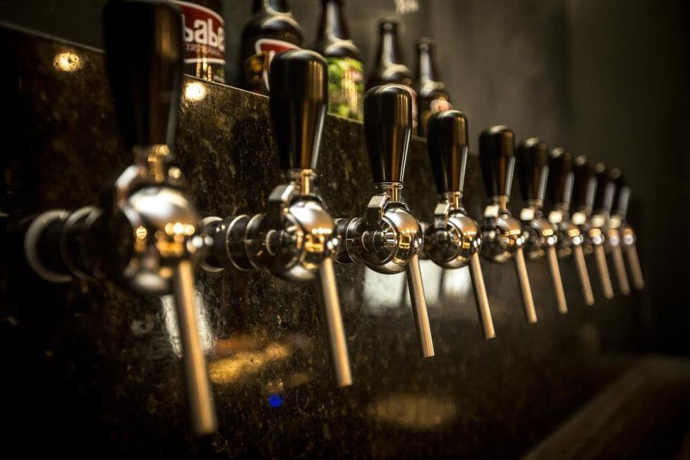 Pub da Babel Cervejaria oferece cervejas da casa e de cervejarias convidadas (Foto: Divulgação)
