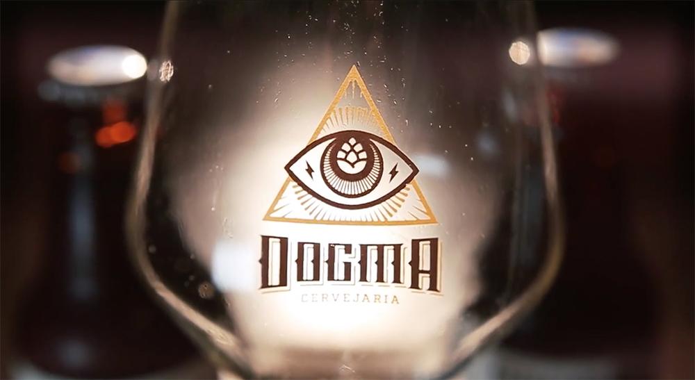 A Cervejaria Dogma começa com dois lançamentos, uma Wee Heavy e uma Imperial Stout (Foto: Reprodução/YouTube)