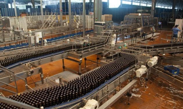 Há vários meses a indústria da cerveja na Venezuela vem alertando sobre as dificuldades de importar insumos em virtude de atrasos do governo para liquidar dívidas (Foto: Divulgação)