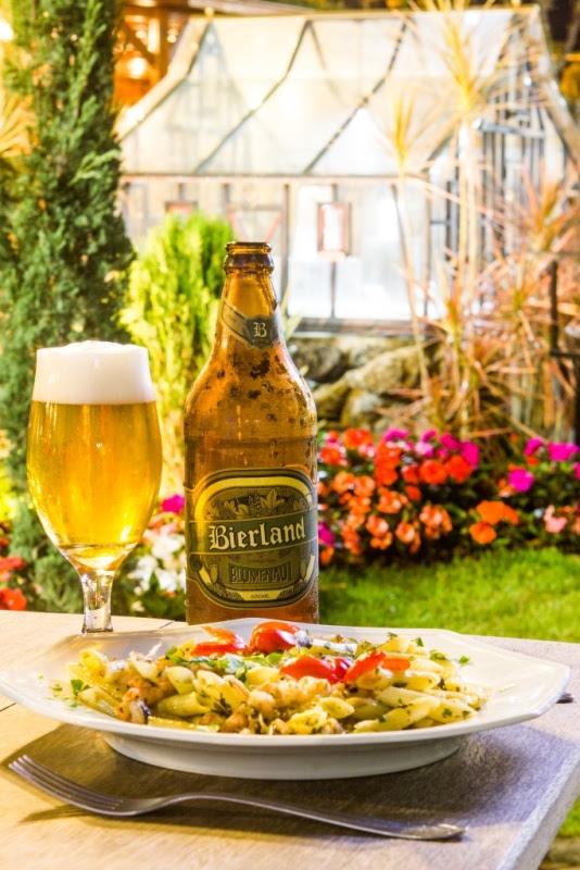 A receita é uma reinterpretação das antigas cervejas produzidas pelos imigrantes alemães que colonizaram a região de Blumenau (Foto: Divulgação)