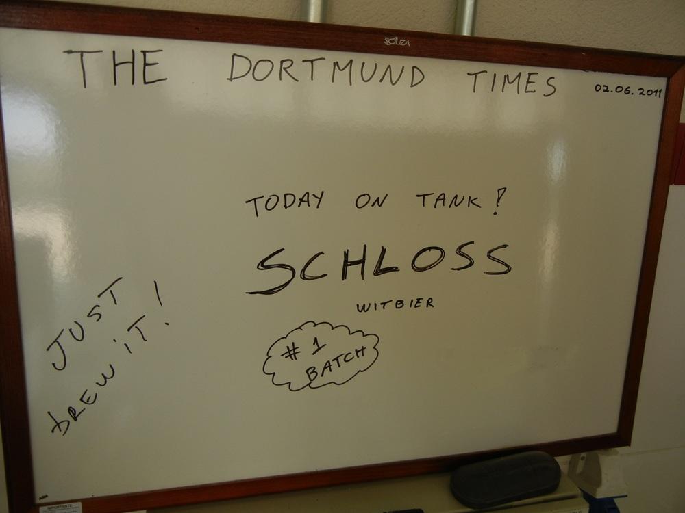O registro da primeira brassagem da Schloss, recebida com estranhamento à época, por um público ainda desacostumado a Witbiers,e hoje uma das mais vendidas da Dortmund (Foto: Divulgação)