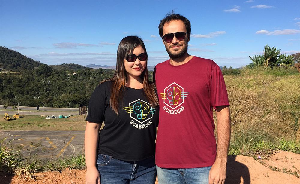 Maíra Kimura e Bernardo Couto, os cervejeiros da 2cabeças, que vão culminar o projeto com um festival com edições no Rio e em São Paulo, entre o final de setembro e o início de outubro (Foto: Divulgação)