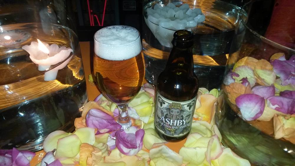 Os conceitos das novas cervejas homenageiam o estilo IPA com símbolos indianos e o movimento cervejeiro norte-americano (Foto: Sarah Buogo/Revista Beer Art)