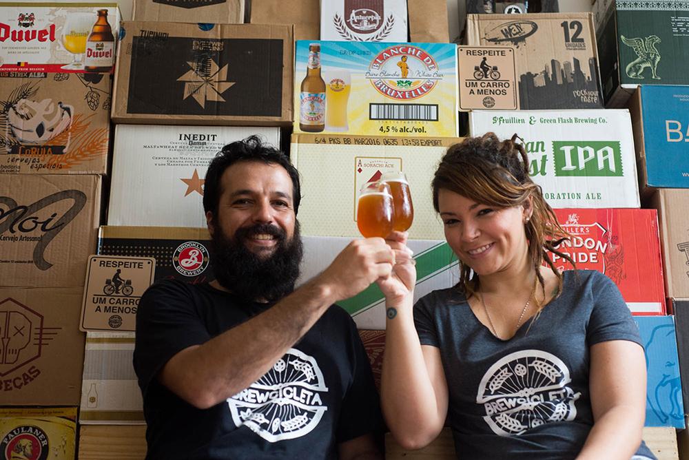 Serviço foi idealizado pelo casal de cervejeiros caseiros Leo Araripe e Mari Rodrigues (Foto: Anette Alencar/Divulgação)