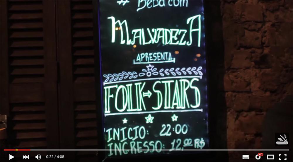 Além da cerveja artesanal da casa, o Malvadeza Pub se caracteriza pelos shows de rock,blues e afins (Foto: Reprodução de  vídeo )