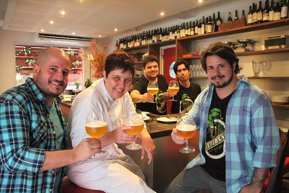 Roberta Sudbrack rodeada pelos sócios da Jeffrey (Foto: Diego Batista/Divulgação)
