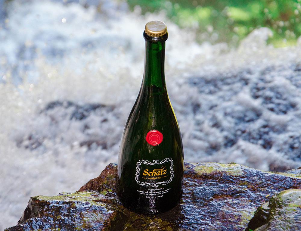 A garrafa é semelhante às de espumantes, e o sabor resulta do mosto (suco) de uvas Moscato (Foto: Divulgação)