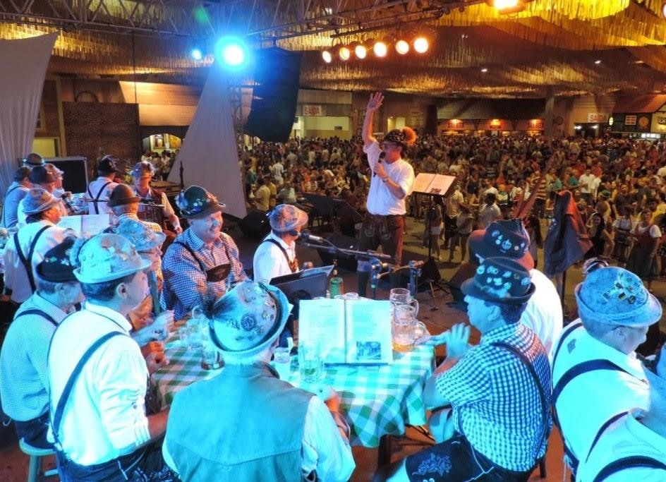 Evento é uma típica festa alemã em uma das cidades de maior tradição cervejeira no país (Foto: Jaime Batista/Divulgação)