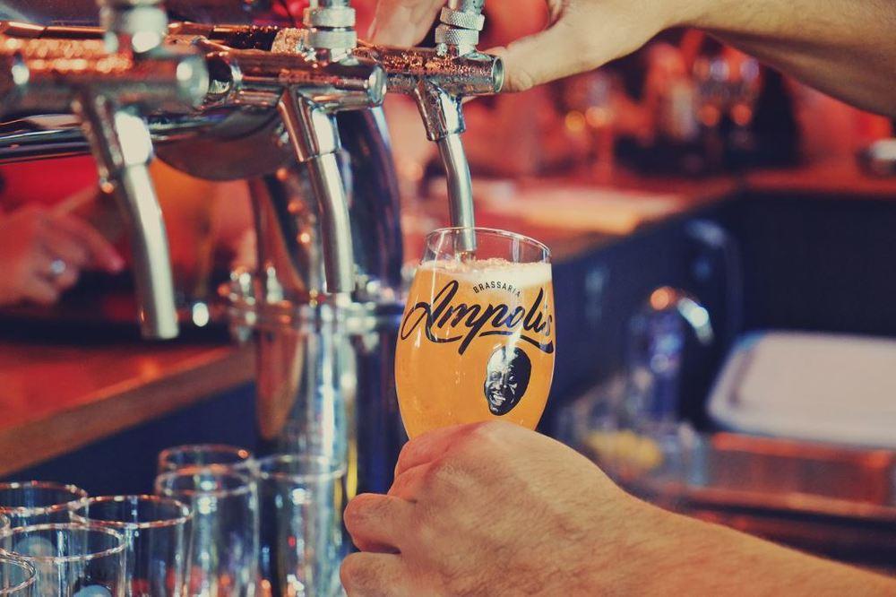 Criada em 2013 em homenagem ao humorista Mussum,a Ampolis é uma cervejaria carioca comandada por Sandro Gomes (filho do comediante), ao lado de dois amigos de infância (Foto: Divulgação)