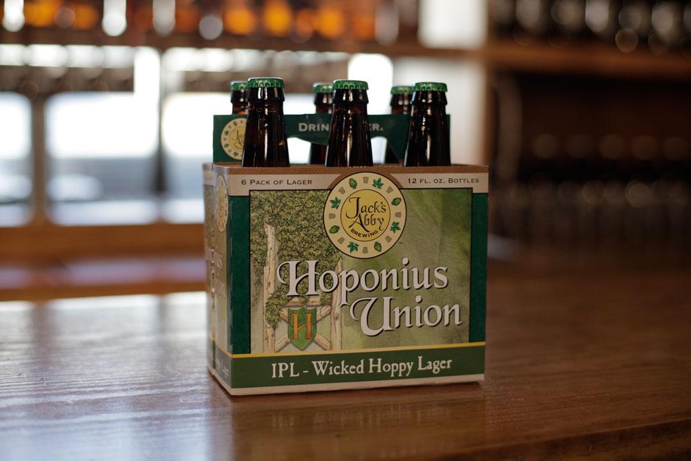 O rótulo mais vendido da marca, uma India Pale Lager chamada Hoponious Union (Foto: Divulgação)