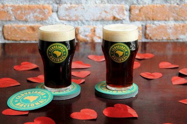 Mozão é uma Belgium Brown Ale, e Mozinho uma Belgium Strong Red Ale (Foto: Divulgação)
