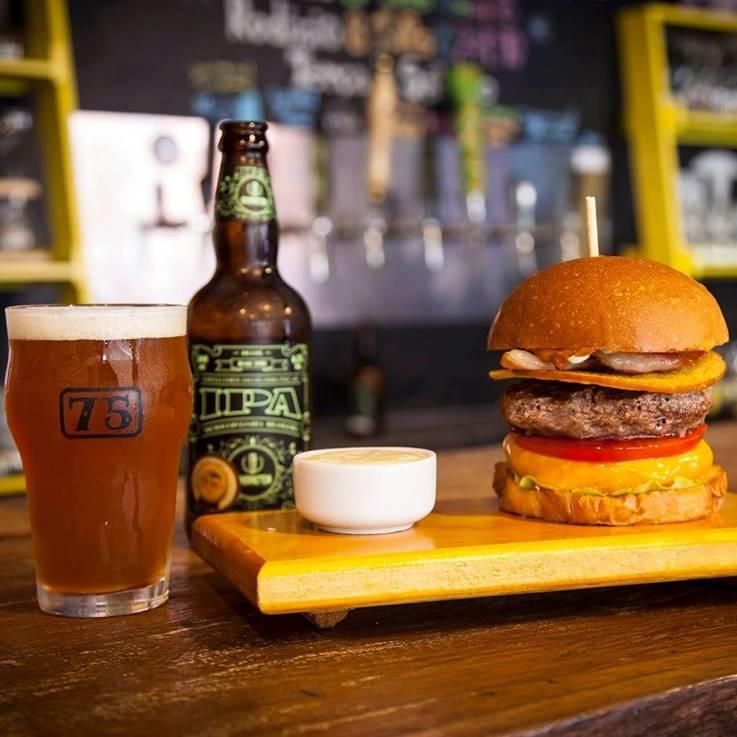 Búrgueres harmonizam com mais de 200 rótulos de cerveja (Foto: Divulgação)