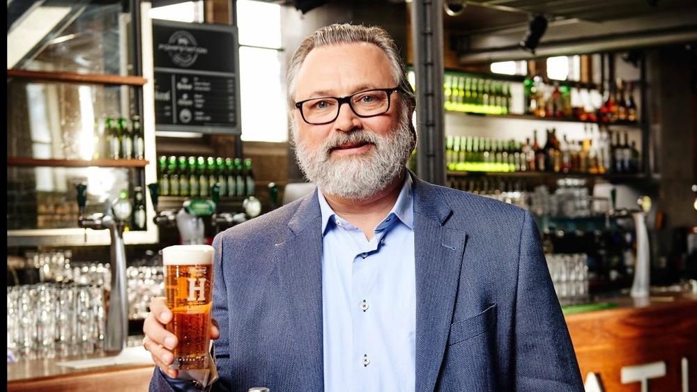 A diferença da cerveja em lata ou garrafa, os segredos da receita, e outras perguntas foram feitas a Willem (Foto: Divulgação)