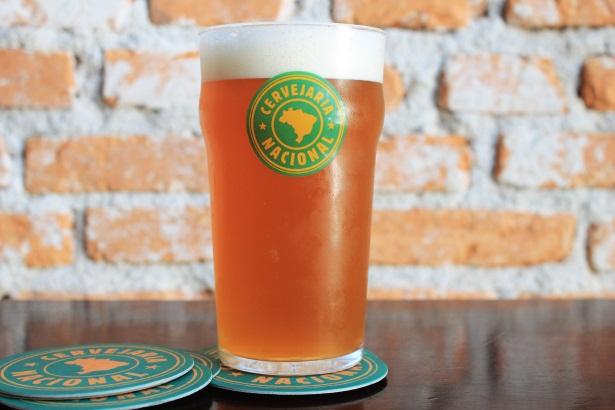 Cerveja é uma English Pale Ale produzida com 100% de maltes e lúpulos ingleses (Foto: Mariana Buck/Divulgação)
