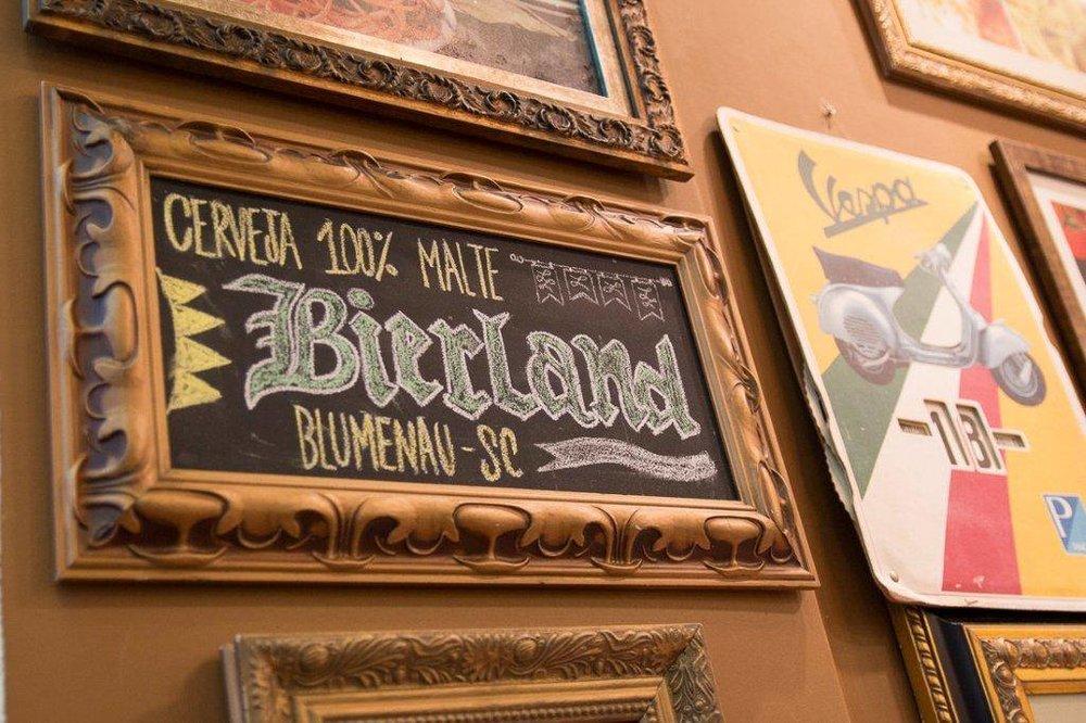 Evento de aniversário da cervejaria de Blumenau (SC) ocorre no bar ao lado da fábrica (Foto: Divulgação)