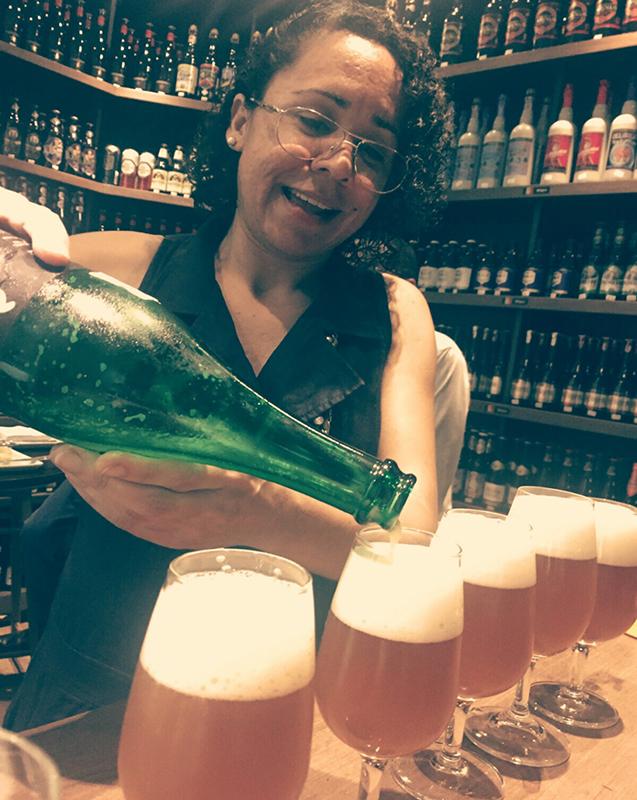 Apaixonada por um bom bate-papo e por uma boa cerveja, Nagaia está no mercado desde 2009, formou-s em Sommelier de Cervejas pela ABS de São Paulo. Consultora no Rio de Janeiro, já fez eventos para empresas como a Microsoft e foi palestrante em SEBRAE – Tendências e Experiências no setor de alimentação