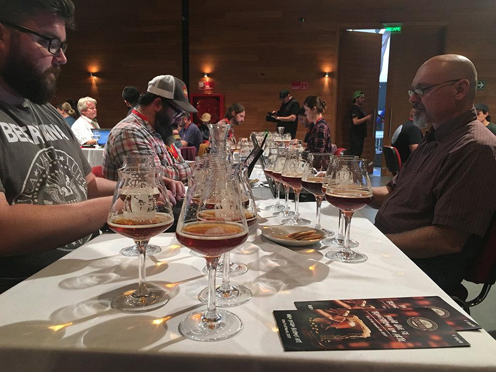 Na segunda rodada, foram examinadas 426 cervejas de 40 estilos, entre eles American Pale Ale, Stout, Irish Red e Barley Wine (Foto: Divulgação)