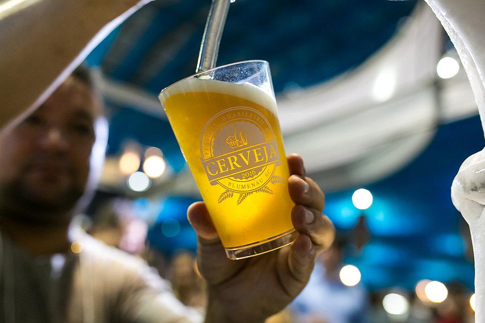 No estado do Festival Brasileiro da Cerveja, estudo junto a 42 marcas revela plena expansão (Foto: Daniel Zimmermann/Divulgação)