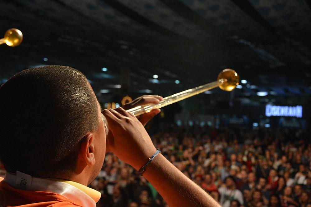 Concurso do chope em metro é uma das tradições da Oktoberfest (Foto: Michele Lamin/Divulgação)