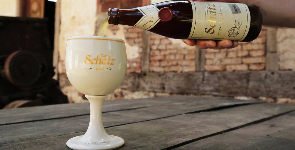 Aos artistas serão servidas três cervejas da linha da Schatz Bier, entre eles a Blond (foto),e uma criada especialmente para o festival, a Schatz Blues IPA (Foto: Divulgação)