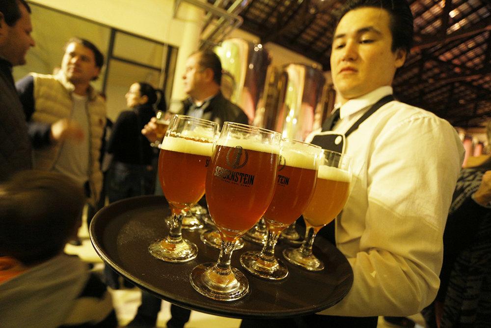 Número de pontos de venda da cervejaria de Pomerode/SC cresceu 55% em 2016 (Foto: Daniel Zimmermann/Divulgação)