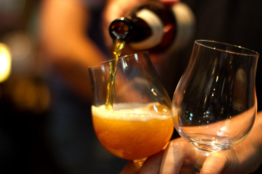 Marca da Petronius Beverages, de Caxias do Sul, a Schatz amplia a sua linha com uma American Pale Ale e uma cerveja com damasco (Foto: Divulgação)