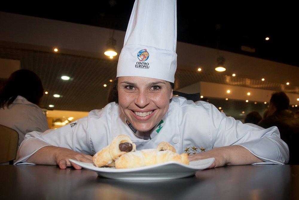Comandada pela chef Andressa Schmidt, a aula temática abordará preparos natalinos em pâtisserie (Foto: Divulgação)