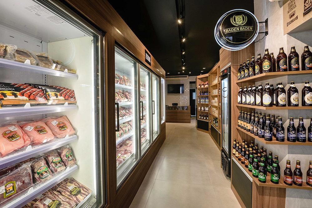 A casa dedicada a carnes nobres e cervejas especiais fica na Barra (Foto: Raphael Medeiros/Divulgação)