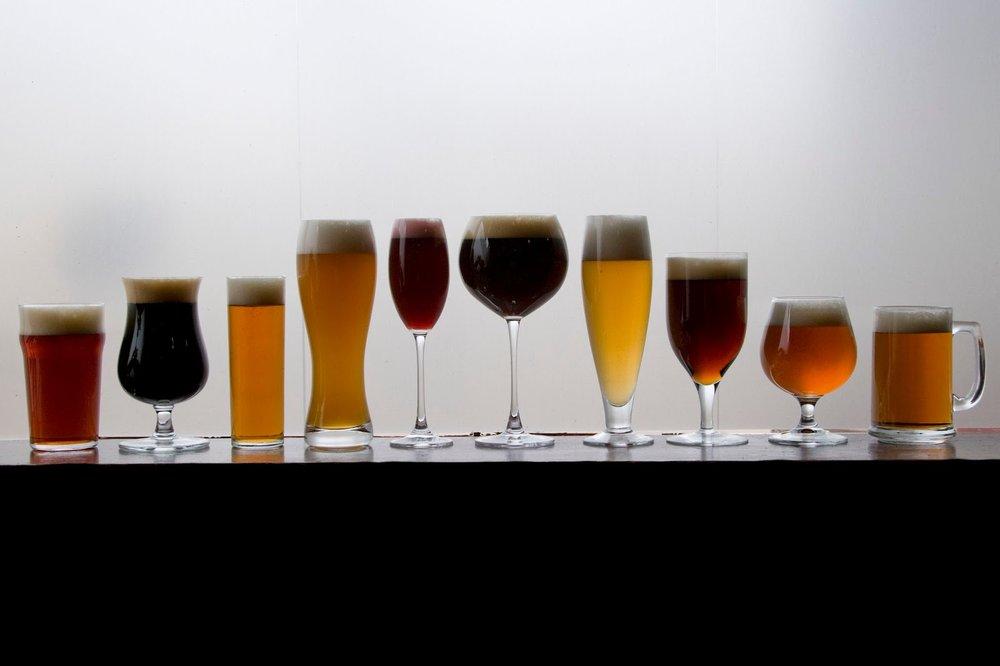 Passa de uma dezena o número de tipos de copo para cerveja. Aqui estão os principais (Foto: Divulgação)
