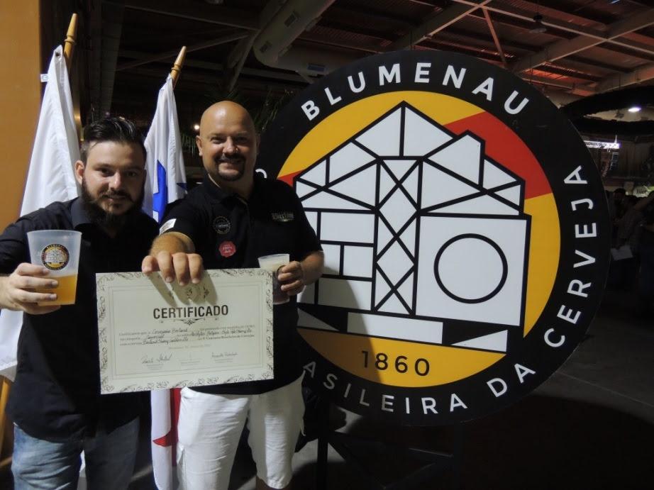 O sommelier da Bierland, Yuri Holbrich, e o sócio proprietário, Eduardo Krueger (Foto: Divulgação)