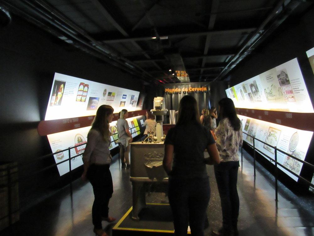 tour cervejeiro pelo museu2.JPG
