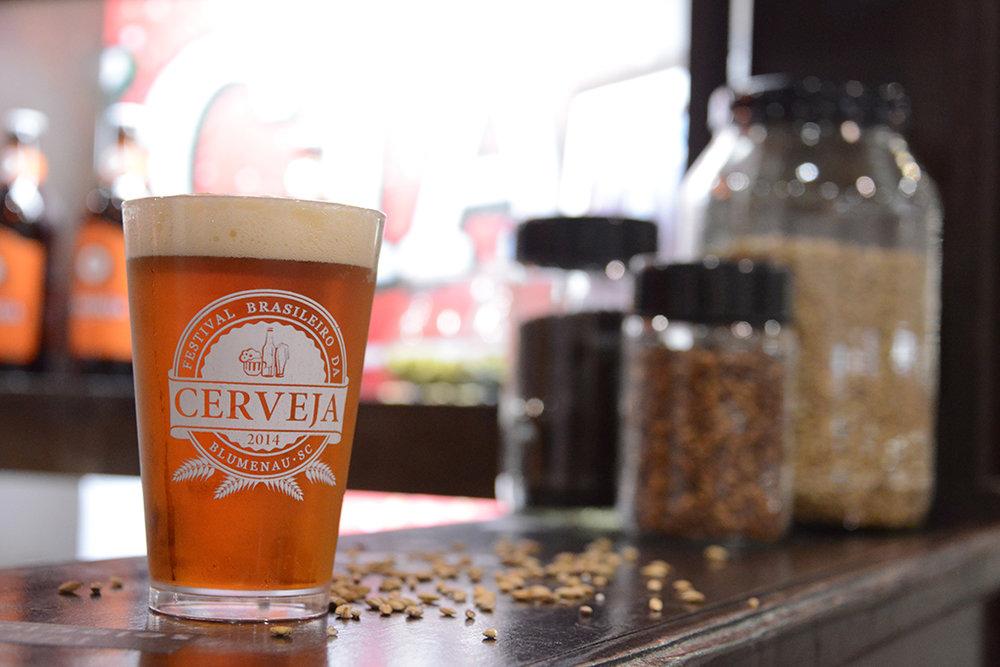 O Festival Brasileiro da Cerveja, realizado anualmente em Blumenau (SC), é o principal evento do segmento no país (Foto:Daniel Zimmermann/Divulgação)