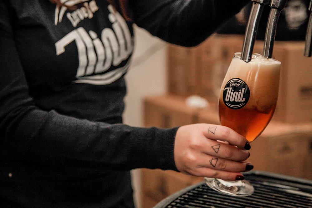 Linha da cervejaria de Nova Lima, hoje com sete opções, deve ganhar novos rótulos em 2017 (Foto: Divulgação)