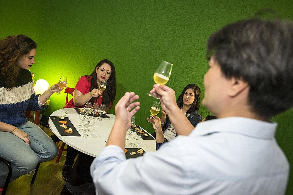 Sommelier compartilha conhecimento e dicas no TasteLab At Home (Foto: Divulgação)