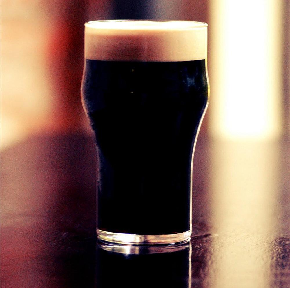 Black IPA tem adição de cacau orgânico e maracujá (Foto: Divulgação)