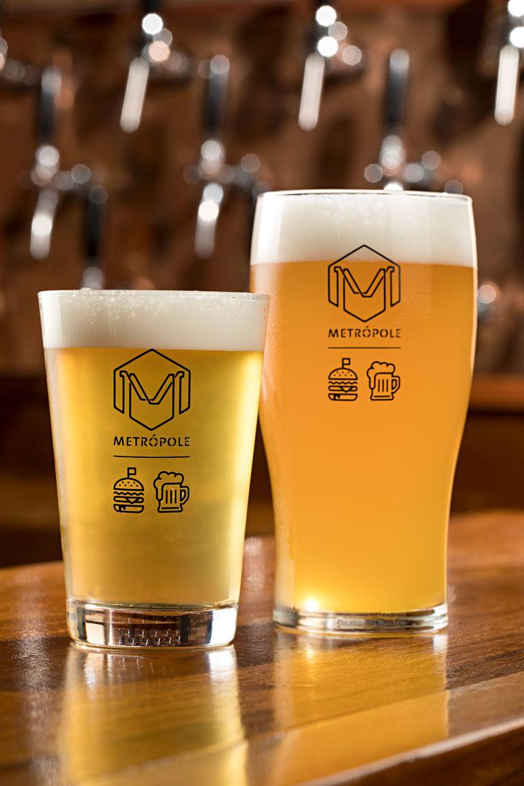 A cervejaria Aqueles Caras leva APA e IPA para o bar (Foto: Rodrigo Azevedo/Divulgação)