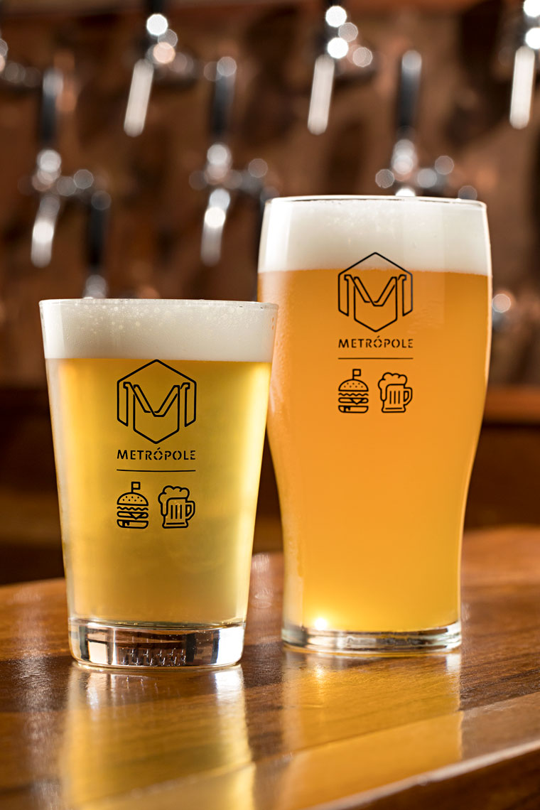 Cervejaria Aqueles Caras leva APA e IPA para o bar Metrópole (Foto: Rodrigo Azevedo/Divulgação)