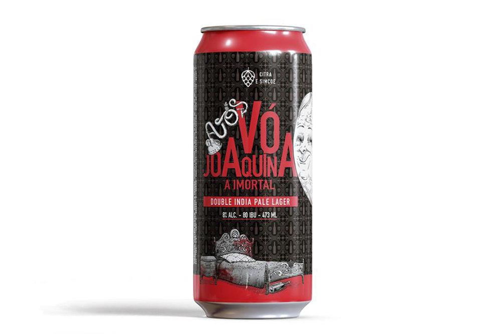 Vó Joaquina, A Imortal é uma Double India Pale Lager que atinge os 8% de teor alcoólico e marcante amargor (Foto: Divulgação)