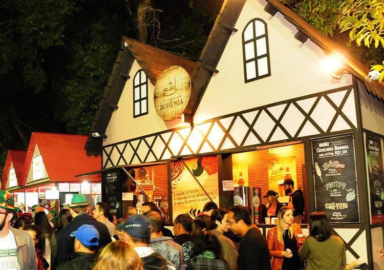 Cerveja é um dos principais combustíveis da Bauernfest na cidade serrana fluminense (Foto: Divulgação)