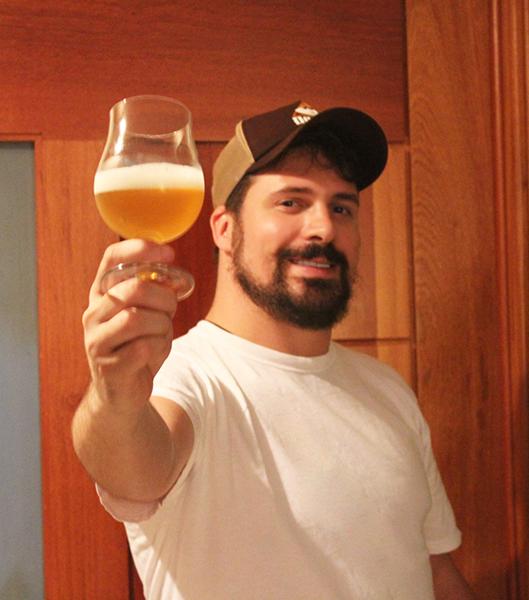 Bento Ferreira, publicitário e homebrewer, especializou-se no desenvolvimento de rótulos (Foto: Divulgação)