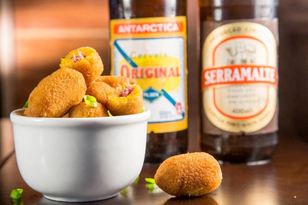 Porção de Bolinho de abóbora com carne seca do Bar Seu Domingos (Foto: Divulgação)