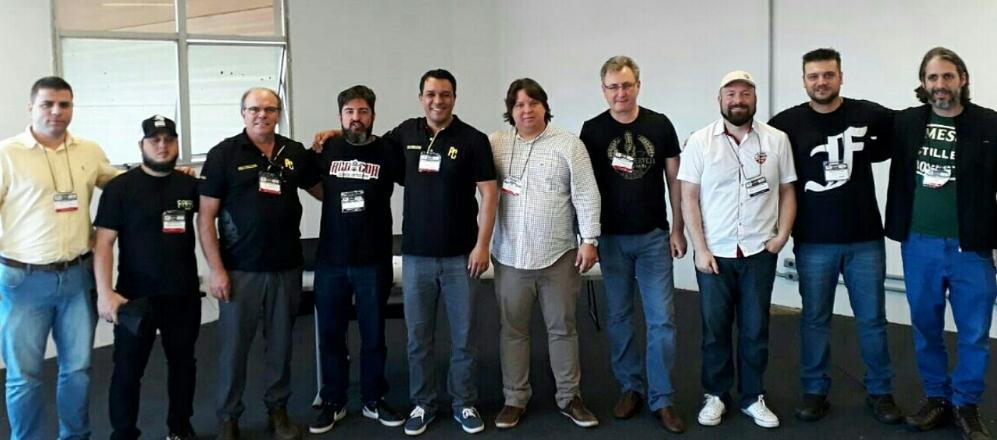 Integrantes da diretoria e do conselho da Abracerva, eleitos em 28 de julho (Foto: Divulgação)