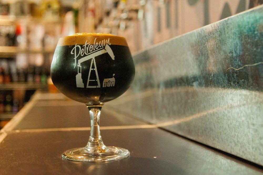 Imperial Stout criada pelos cervejeiros da DUM é uma das mais celebradas receitas artesanais brasileiras (Foto: Divulgação)