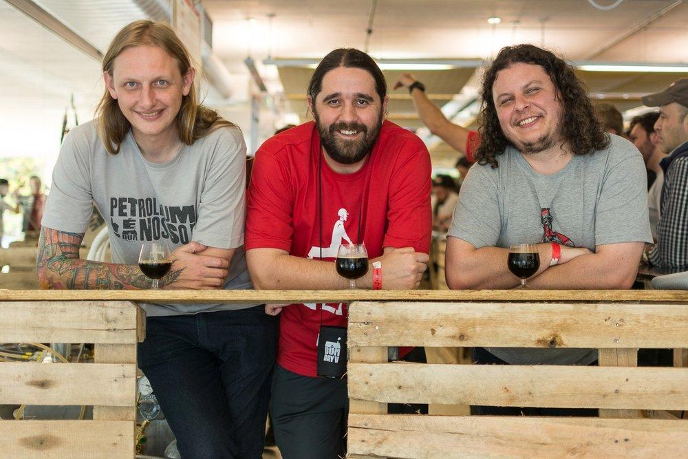 Murilo Foltran, Júlio Moutinho e Luiz Felipe Araújo, da DUM (Foto: Divulgação)