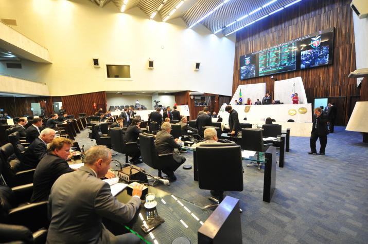 Deputados aprovam projeto na sessão plenária de 30 de agosto (Foto: Pedro de Oliveira/Alep)