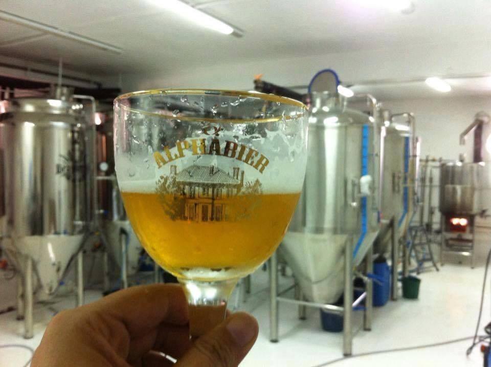 AlphaBier é uma cervejaria paulista que já conquistou prêmio internacional com sua Belgian Blond Ale (Foto: Divulgação)