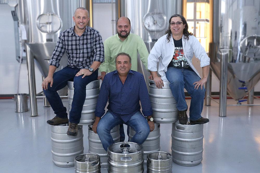 Sércio de Paula à frente de Márcio Eduardo (E), Marcelo Diniz (C) e Anderson Morais (Foto: Divulgação)
