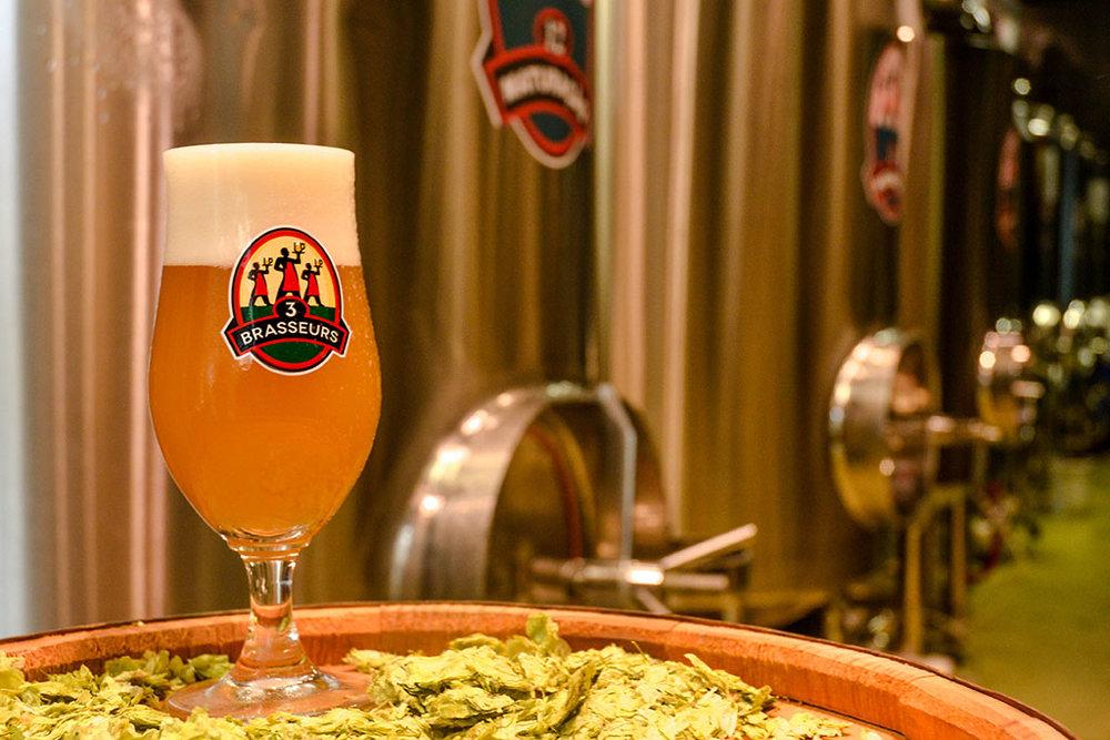 Cervejas da casa são a atração principal no brewpub francês Les 3 Brasseurs, na capital paulista (Foto: Divulgação)