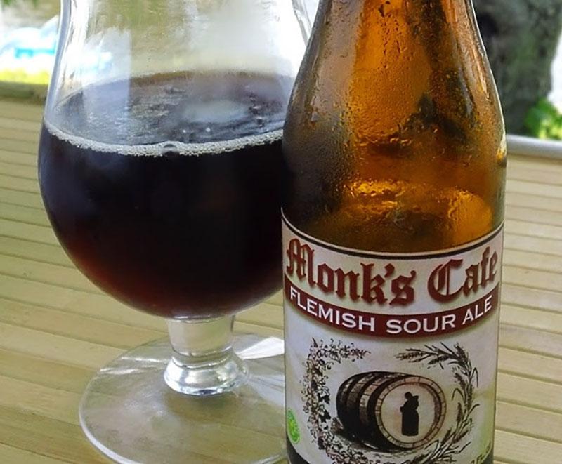 Visitantes têm a oportunidade de provar a Monk's Café (Flemish Sour Ale), da cervejaria belga Gulden Draak (Foto: Divulgação)